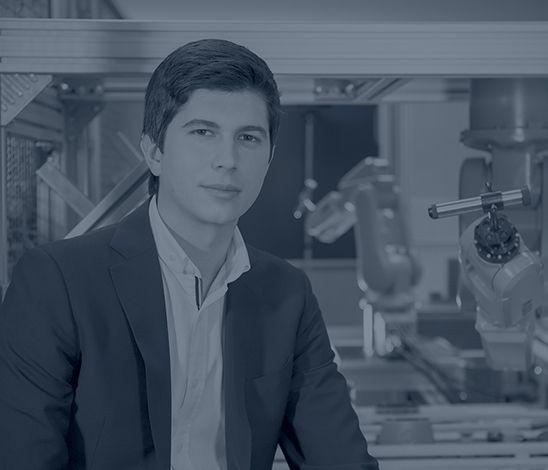 ¿Crees que para llegar a ser un referente de la alta tecnología solo puedes estudiar en Stanford o Harvard? Javier Agüera, cofundador de seis empresas entre las que se encuentra Blackphone, es un claro ejemplo de que una universidad de nuestro país puede ofrecer a sus alumnos grandes oportunidades para sobresalir en el mercado laboral.