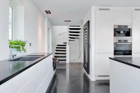 Kjøkken levert til enebolig på Bygdøy.  Sigdal Kjøkken modell Lido.  Design: Nina Th. Oppedal, Studio Sigdal Fredrikstad