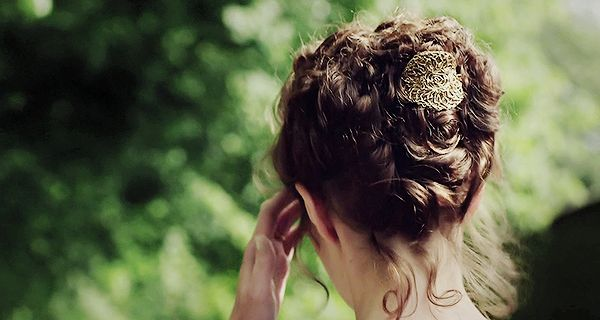 Pretty hair accessory for updo