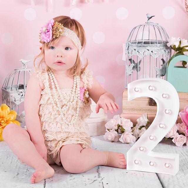 Look who's 2!!!! Happy birthday Mackenzie @khindle1982. Outfit by @teenytinytoppers #gtaphotography #gtaphotographer #oakvillephotographer #hgamblephotography #2yearsold #canon6d #toddlerfashion #toddlerphotography #oakville #toronto