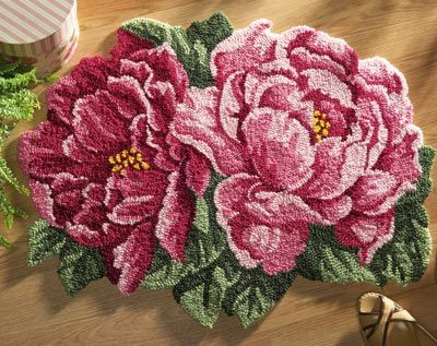 gorgeous hand-hooked rose rug