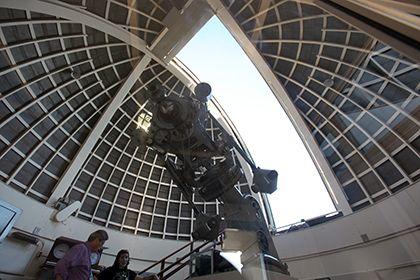 Возле Земли обнаружили самый маленький метеорит http://mnogomerie.ru/2016/12/01/vozle-zemli-obnaryjili-samyi-malenkii-meteorit/  Команда астрономов из США смогла детально запечатлеть самый маленький астероид из когда-либо наблюдаемых. Для этого ученые использовали четыре различных телескопа, сообщается в журнале The Astronomical Journal. Метеорит получил название 2015 TC25. Кроме своих размеров, он примечателен тем, что является одним из наиболее ярких сближавшихся с Землей астероидов. Он…