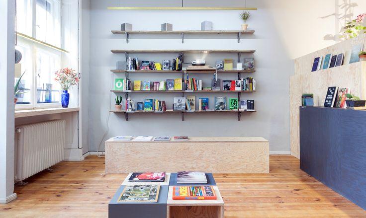 ZABRISKIE - Ein kleiner Buchladen in Berlin-Kreuzberg mit dem literarischen Blick für kulturelle und natürliche Phänomene.