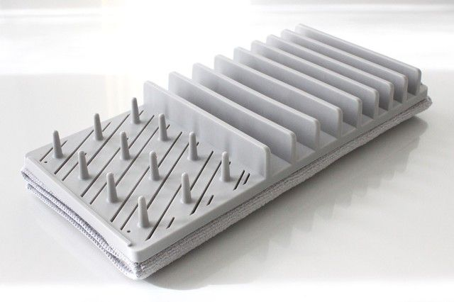 水切りカゴを置かない選択 コンパクトに収納できる ニトリの水切りマットが優秀です キッチン 水切り キッチンツール 収納 キッチンアイデア