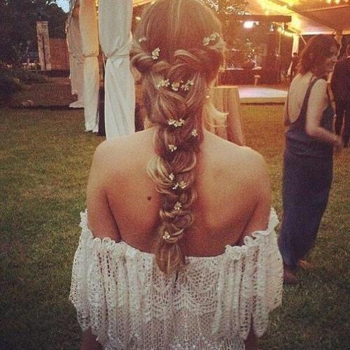 I Bohemian/Gypsy Wedding I MG Events Ile de Ré #mariage #coiffure #printemps…