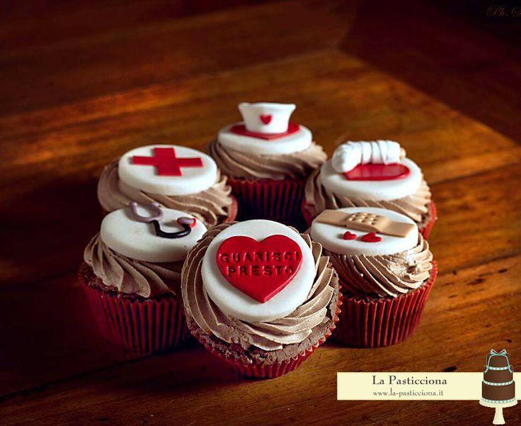 """cupcakes """"Guarisci presto"""" www.la-pasticciona.it"""