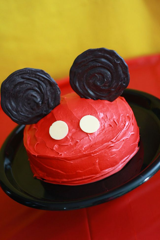 Mickey Mouse birthday cake - sweet, simple and adorable!!