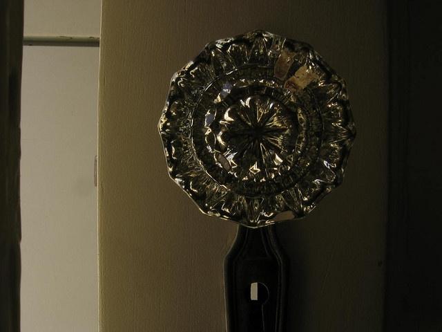 vintage door knob on the 1920u0027s house - Vintage Door Knobs