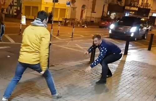Imitaban a Conor McGregor en la calle y se llevaron tremenda sorpresa