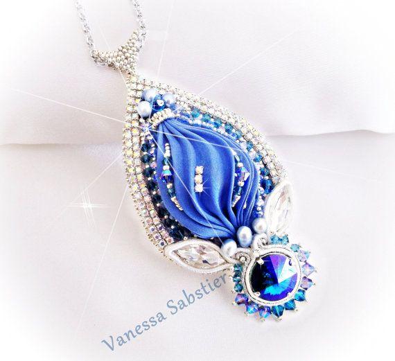 Guarda questo articolo nel mio negozio Etsy https://www.etsy.com/it/listing/269240853/ciondolo-the-ocean-blue