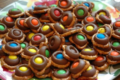WE LOVE THESE! :)  Warning - very addictive! :D   Turtle M Pretzels...so easy and addicting once you eat your first!