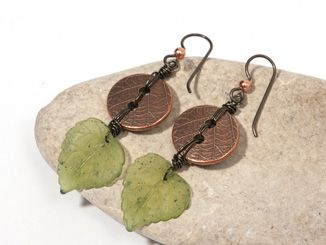 I like these leaf earrings using a button.  On my list to do.