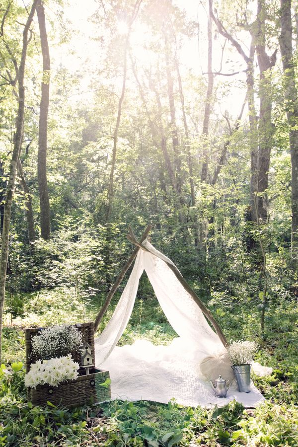 Lace tent used as a little hideout in the woods. What a super idea for a spring session. _ M