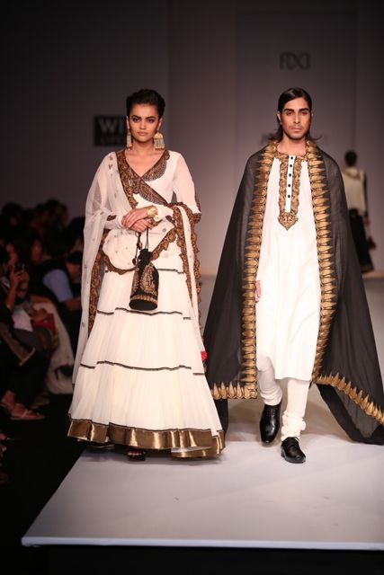Ethnic gold and white Indian attire by Joy Mitra. #wifw #ss14 #fdci #infashion #fashion #trends #fashionweek #joymitra