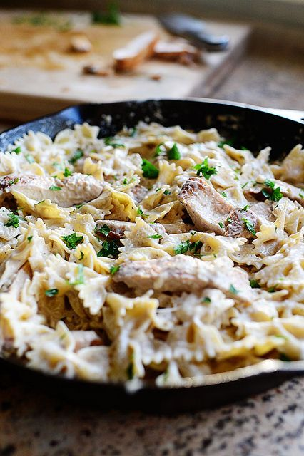 The Pioneer Woman's Bow Tie Chicken Alfredo.. Does she make anything that is not delicious? I think not.