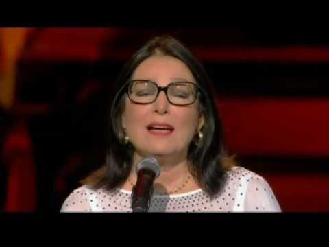 Nana Mouskouri - Aspri Mera - Athenes 2008 - YouTube