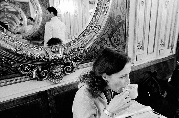 Photo by Gianni Berengo Gardin | Caffè #Florian a #Venezia San Marco