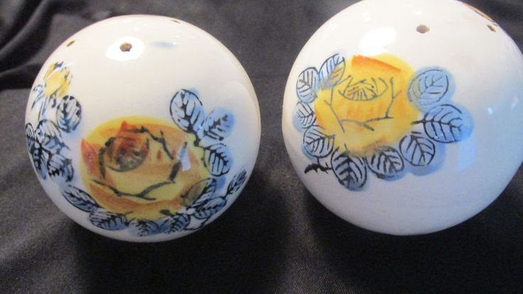 VINTAGE HAND PAINTED ROUND BALL SALT AND PEPPER SHAKERS~JAPAN CORK STOPPERS  | eBay