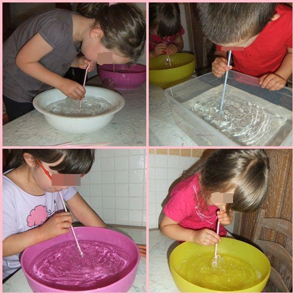 L'aria dentro di noi: le cannucce - Dare ad ogni bambino una cannuccia e farlo soffiare in acqua. - Produrrà tante bolle! - E' l'aria contenuta nel nostro corpo che esce e crea questo effetto! L'aria è anche dentro di noi.