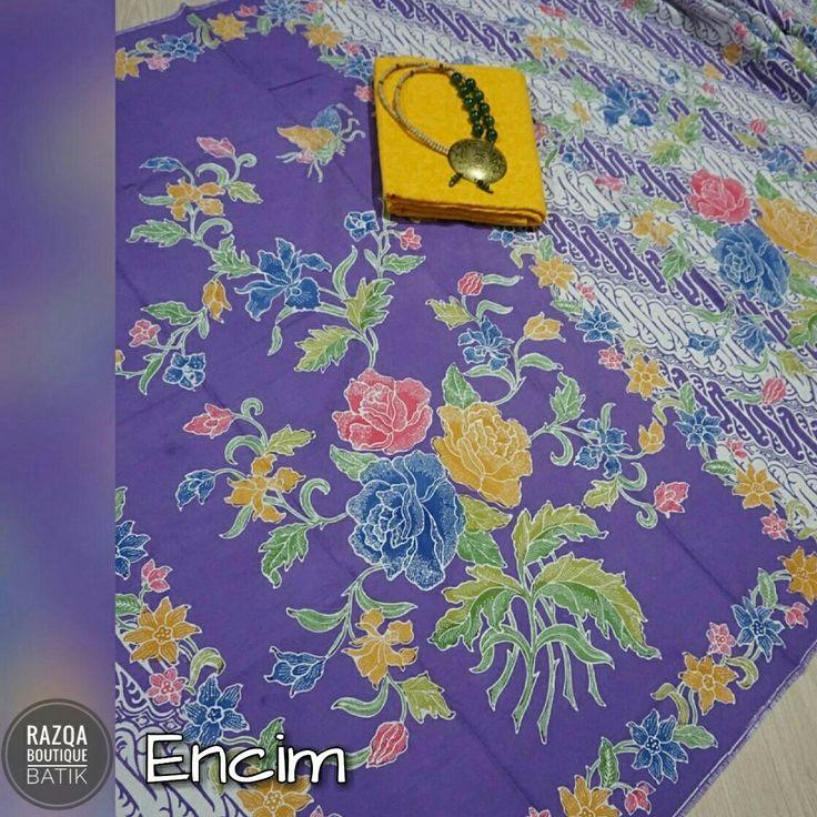 Batik Encim Batik dengan motif buketan bunga dan kupu-kupu atau burung dalam warna warni yg cerah jadi ciri khas batik ini. Bahan katun yg nyaman, adem, warna awet dan tidak luntur. Ukuran 2x1,1 meter. Cocok untuk dress wanita dan kemeja pria dgn kesan casual.  Harga lebih murah dari butik dan pameran batik.  Info dan pemesanan via WA: Bit.ly/OrderBatikSolo