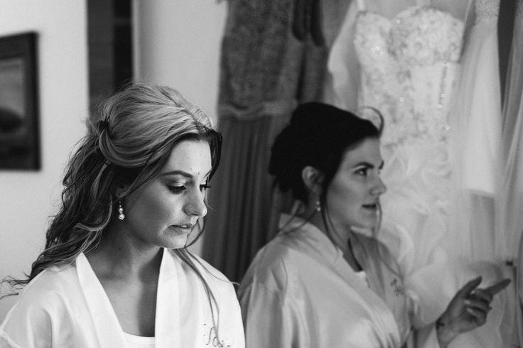 Pretty Flamingo Photography. Rustic Ballarat Wedding.  Bride getting ready