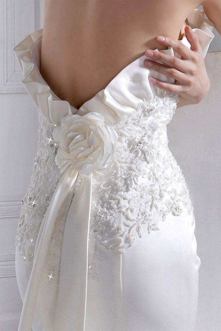 Sexy back satin mermaid style wedding dress,Style No.0bg01205,US$406.00 Read More: http://www.weddingspnina.com/index.php?r=sexy-back-satin-mermaid-style-wedding-dress.html