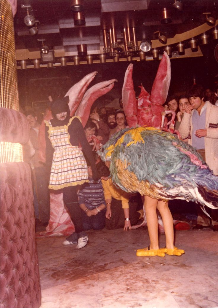 Disfraz de periquito , año 1979 , en discoteca Shiva
