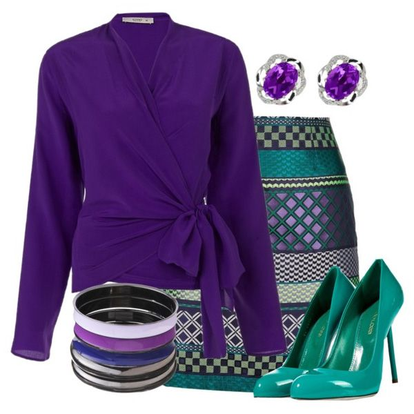 Туфли цвета морской волны, фиолетовая туника, юбка со сложным принтом, украшения