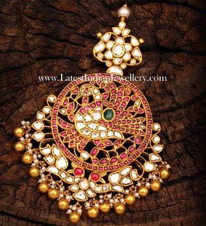 Gold Jadau Pendant with Polkis, Rakodi