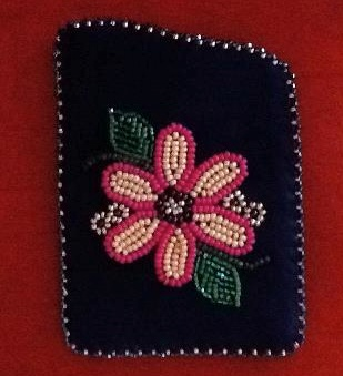 Beaded card holder by Annie Grenier