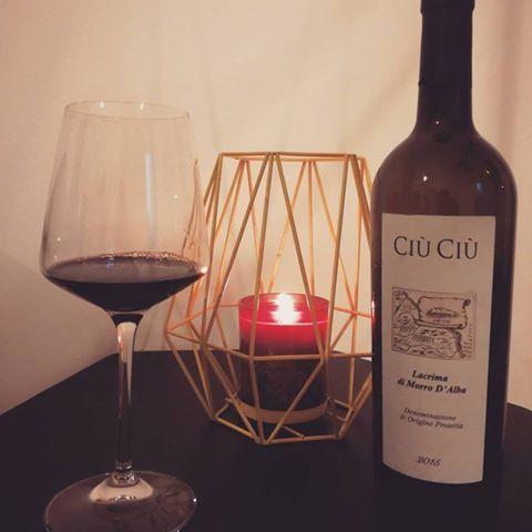#lacrimadimorrodalba #ciuciu #075winestore #enoteca #online #onlineshop #vendita #marche #happy #xmas #italy #ilovewine #winegift #wineporn #wine #vino #winelover #winetime #winery #winecountry #winetasting #wineday #winenight #winered #winelovers #winemaker #winestagram#vino #sommelier #ais #onav #fisar #fis #amazing #nature #vino #picoftheday #photooftheday #photography #red