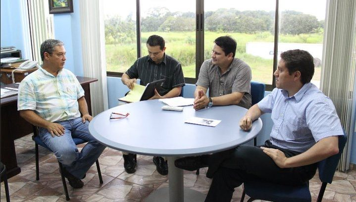 Meeting with Mayor of Osa´s Municipality (Mr. Alberto Cole, left), joining Vice Minister of Costa Rica´s Ministry of Economy Trade and Industry (MEIC – Mr. Luis Alvarez Soto, first to the right), when working as a Mission Expert for Costa Rica´s United Nations Development Program (UNDP)... More info at (Spanish): https://www.facebook.com/120384914664212/photos/a.211188988917137.48218.120384914664212/211189028917133/?type=3&theater