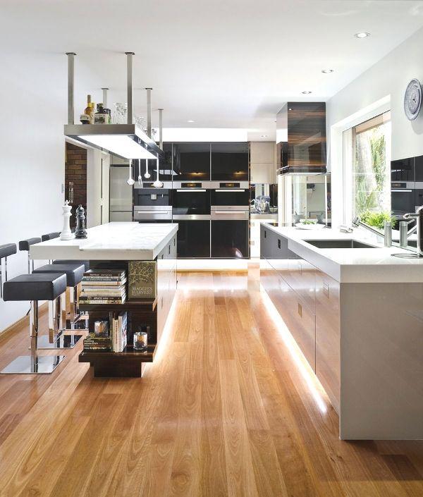 Sophisticated Minimalist Black And White Kitchen Design