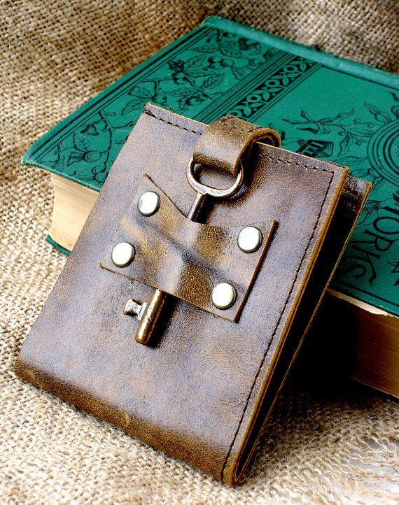 Men's Leather Wallet with Antique Skeleton Key - Brindled Caramel Steampunk…