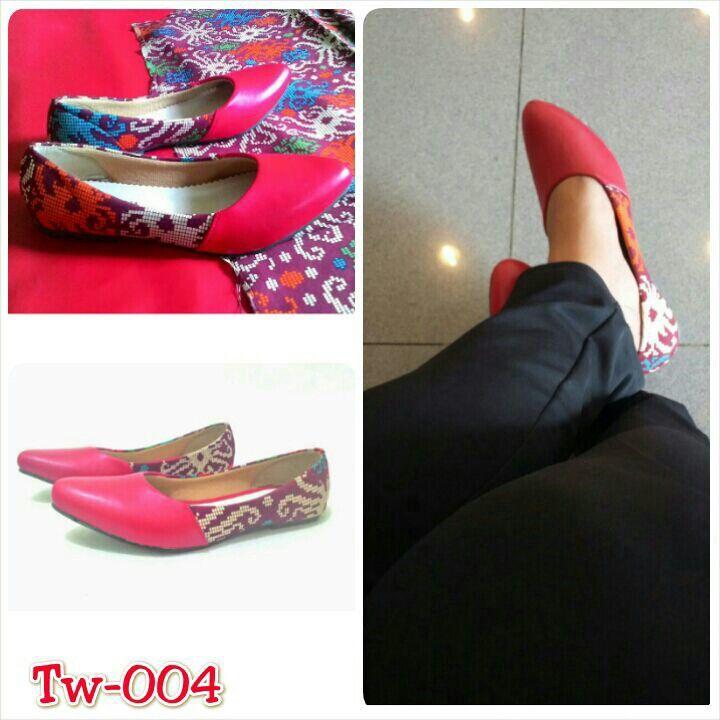 Sepatu tenun mix kulit, uk. 36 sd 41. Minat hub. Ke Facebook: shop lombok, Instagram: tenun_dan_mutiara_sasak, watsap:  087865461834, pin BB: 7DAC95EC
