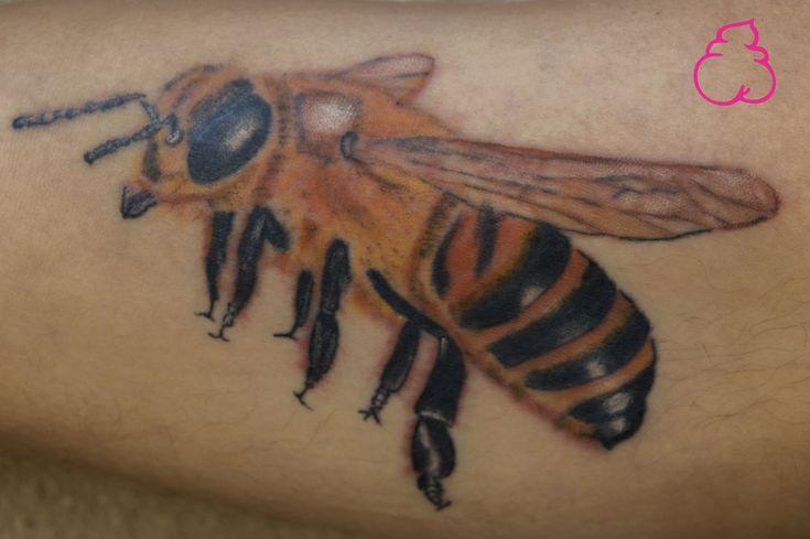 abeja tatuaje