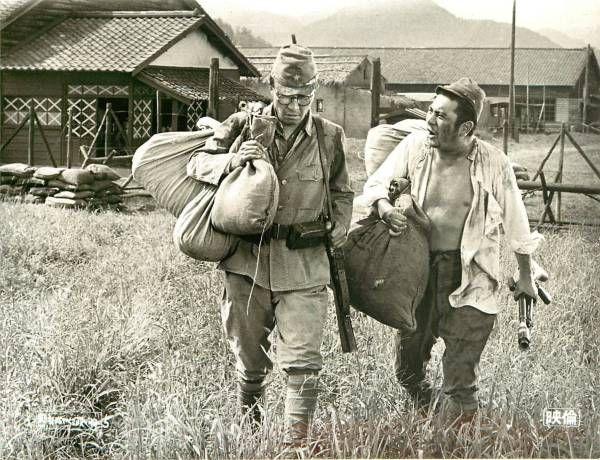 p19223勝新太郎田村高廣野川由美子『兵隊やくざ殴り込み』_画像1
