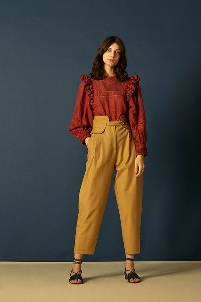 See the complete Sea Pre-Fall 2018 collection.
