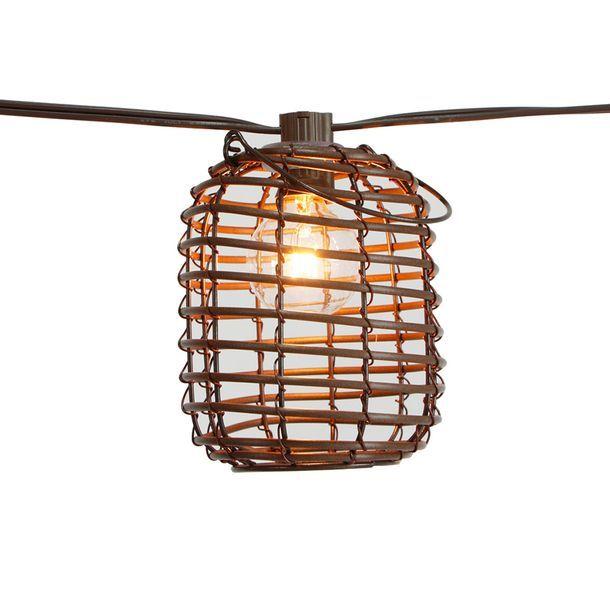 Ideal para interior y exterior. 8 luces incandescentes. Longitud total de 3 metros. Disponible en 2 estilos diferentes.