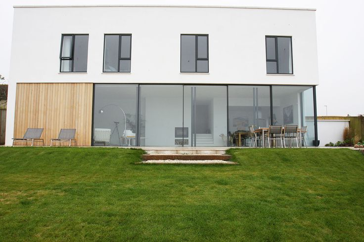 Aluminium windows on a sea front contemporary house in Exmouth