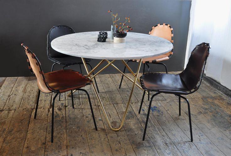 Bordet 'Big O Table' från danska OX Denmarq är framtaget med en rund marmorskiva i vit, grön och svart. Underredet kan fås i svartlackerat, vitlackerat eller rostfritt stål. Det går även att beställa underredet i mässing.