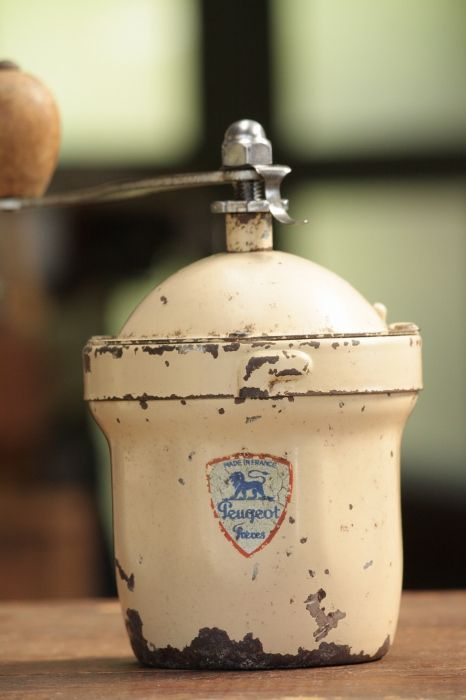 絶妙の枯れ具合 1950年代 フランス製 アンティーク プジョー コーヒーミル 入手困難GIタイプ アイボリー 刃は完全メンテナンス済