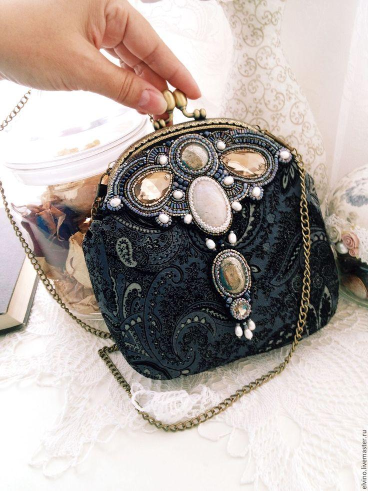"""Купить Замшевая сумочка """"Пейсли"""" - серый, театральная сумочка, сумочка на цепочке, вышитая сумочка"""