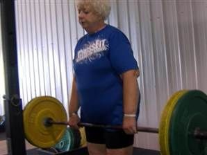 Grandma sets record in powerlifting competition