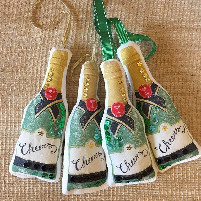 Today has been a productive day updating my Etsy shop and website, these champagne decorations and lots more are now available at Etsy.com/shop/ruthhickson #etsy #etsyseller #etsyshop #etsylove #champagne #cheers #christmas #celebrate #sparkle #congratulations #gift #decoration #christmasornament #designermaker