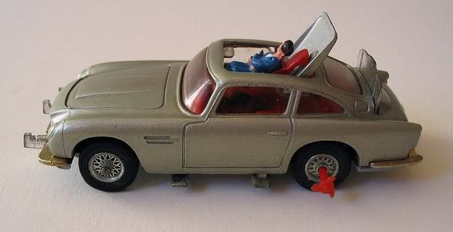 This version, released in 1971 - James Bond 1964 Aston Martin DB5 - Corgi #270 - My dad bought this for me on his only post-divorce visit in 1973.