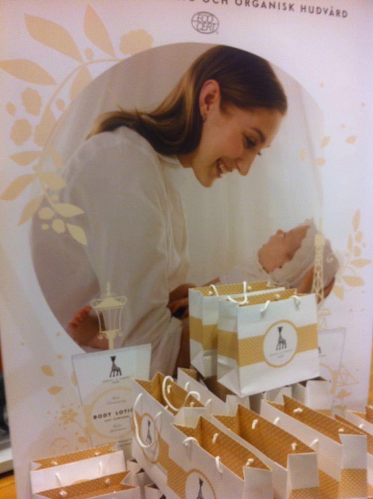 Swedish Launch of Sophie la girafe Cosmetics in Nordiska Kompaniet aka NK was a success in 11/2013.   Thanks for making it happen NK Lek o Baby team!