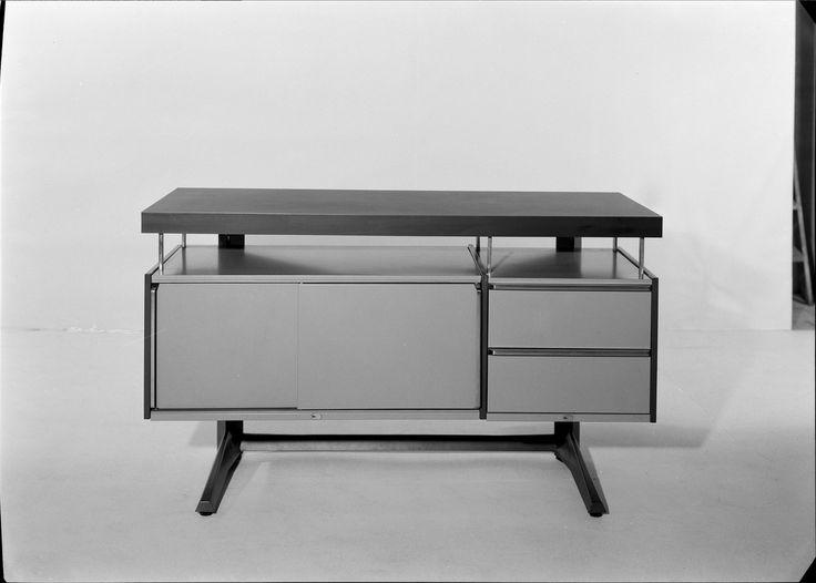 Mobiliário de escritório - móvel de arrumação. Fotografia sem data. Produzida durante a actividade do Estúdio Mário Novais: 1933-1983.  [CFT003.032643.ic]