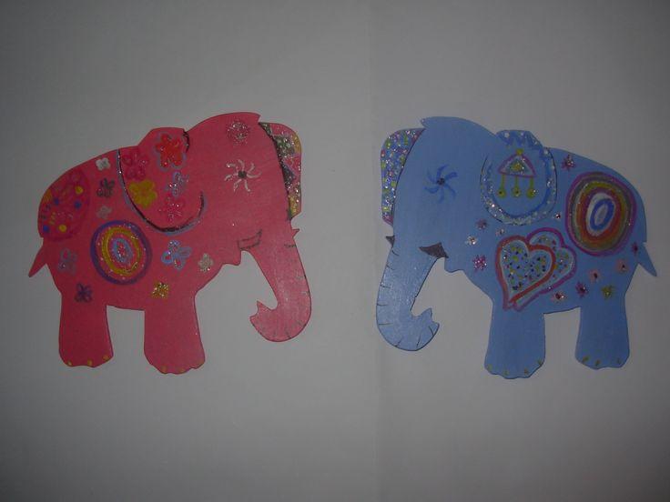 ahşaptan tamamen el emeği ile üretilmiş magnetlerimiz ...FİL magnetlerimiz uğur filleri yaşamınız şansla dolsun
