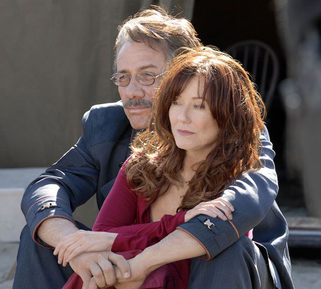 I realize this is a photoshopped picture, but that doesn't mean I love it any less. Adama <3 Roslin.